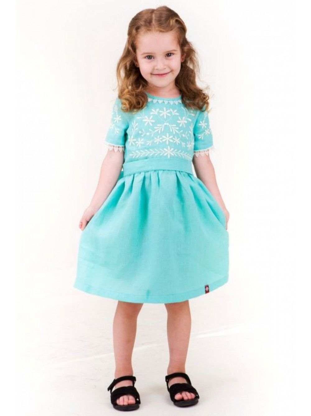 038e72c3276157 Дитяча сукня з натурального льону ментолового кольору - є водночас  практичним щоденним та святковим одягом для