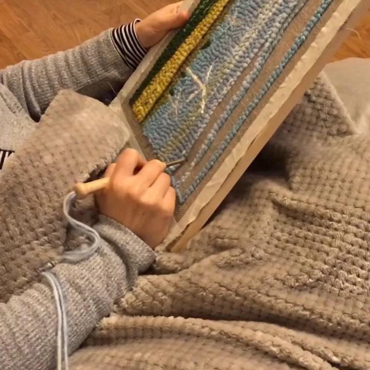 In progress . . . . . #punchneedle #punchneedleembroidery #irisart #floralart #punchneedling #punchneedleproject #punchneedleprocess #punchneedleart #punchneedlelove #yarnart #yarncraft #crafter #craftstudio #craftersofinstagram #makermakes #makersofinstagram #makersmovement #makersgonnamake #inprogress #inprogressart #tuesdayvibes #relaxingtime #metime💕
