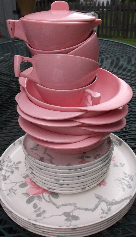 Vintage 25 piece set of Meldale genuine Melamine/Melmac Dinnerware Pink and Gray & Vintage 25 piece set of Meldale genuine Melamine/Melmac Dinnerware ...