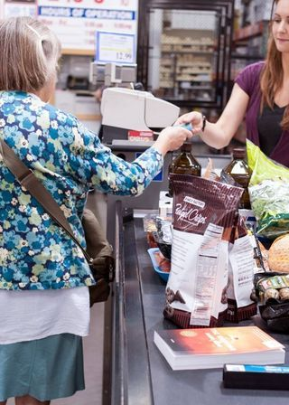 10 Things the Smartest Grocery Shoppers Always Do — Shopping... | The Kitchn | Bloglovin'