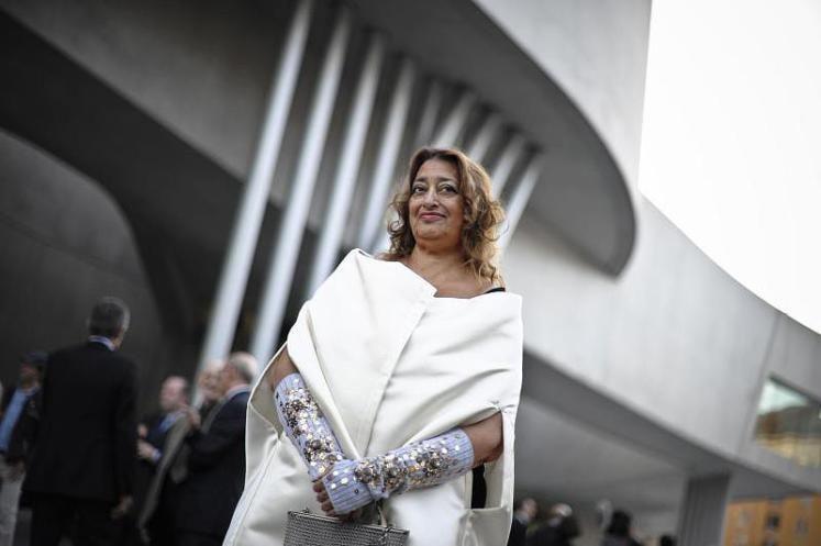 Zaha Hadid bei der Eröffnung des MAXXI-Museums 2010. Zum Nachruf: http://www.nachrichten.at/nachrichten/kultur/Stararchitektin-Zaha-Hadid-gestorben;art16,2192902 (Bild: ANSA)