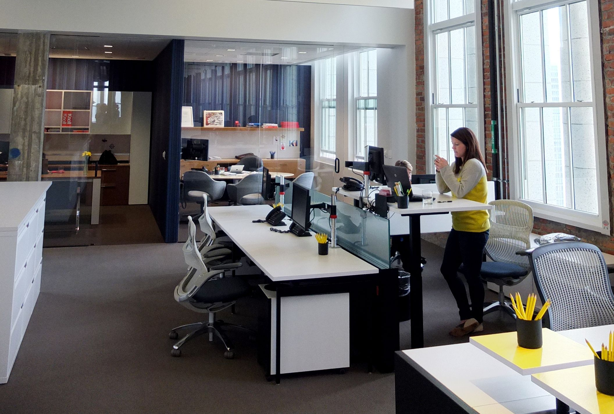 Height Adjustable Desks Give Knoll San Francisco Employees