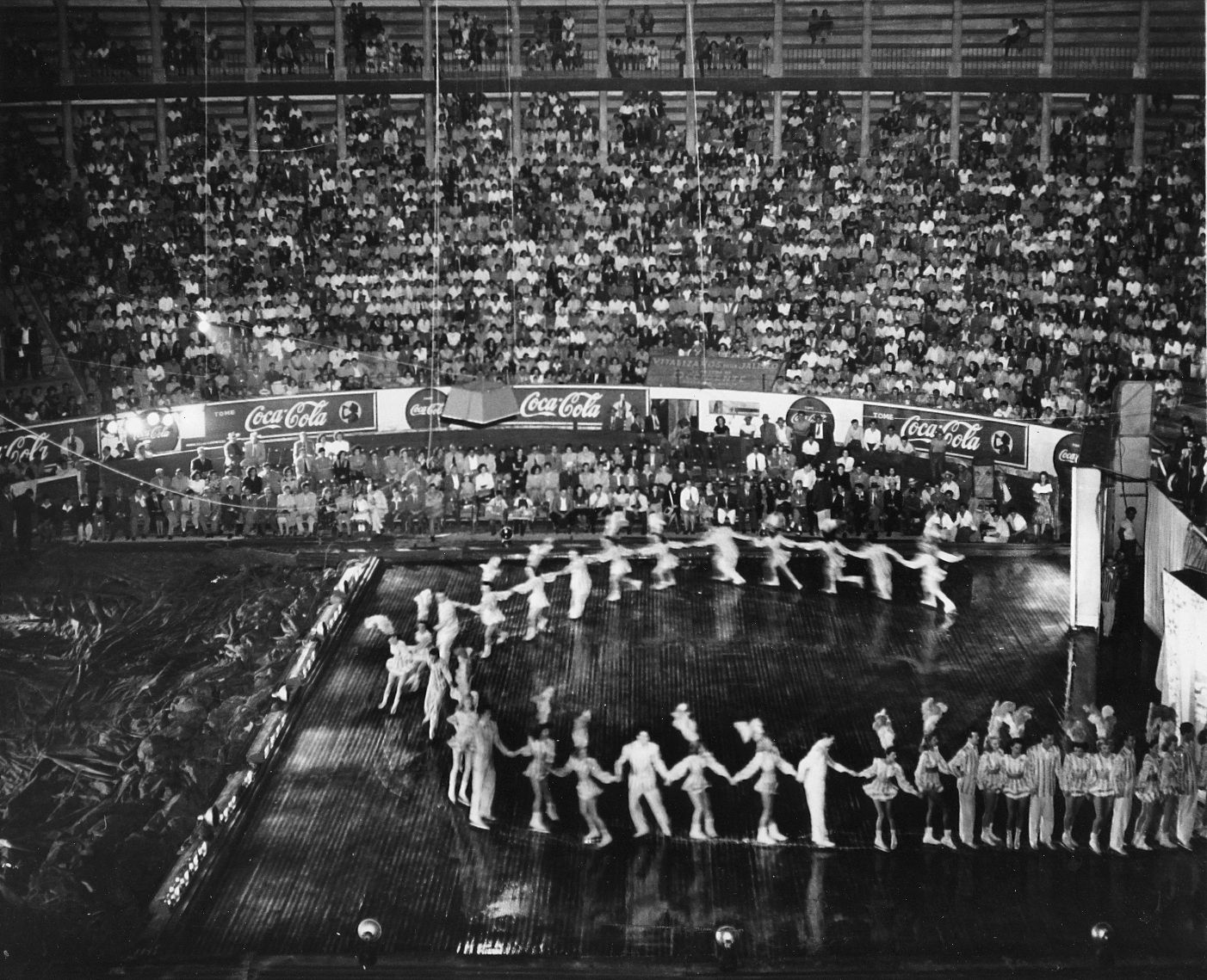Ice show in 1944. Cast on large ice in an unidentified arena.