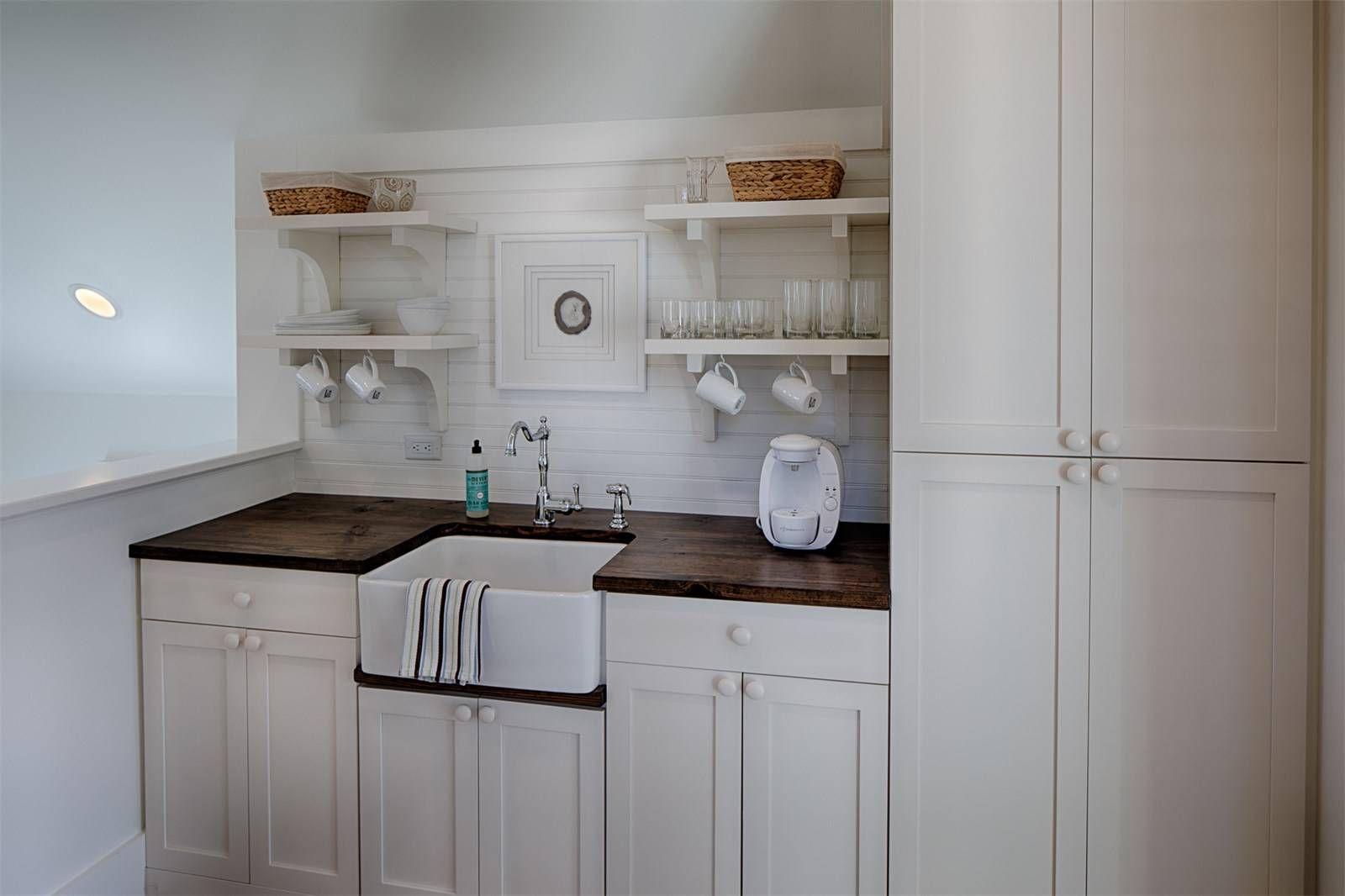 Modern farmhouse style meets coastal cottage decorating ideas