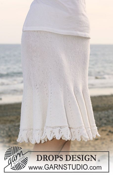 """Retstrikket DROPS nederdel i """"Baby Merino"""" strikket fra side til side med forkortede pinde. Str S - XXXL ~ DROPS Design"""