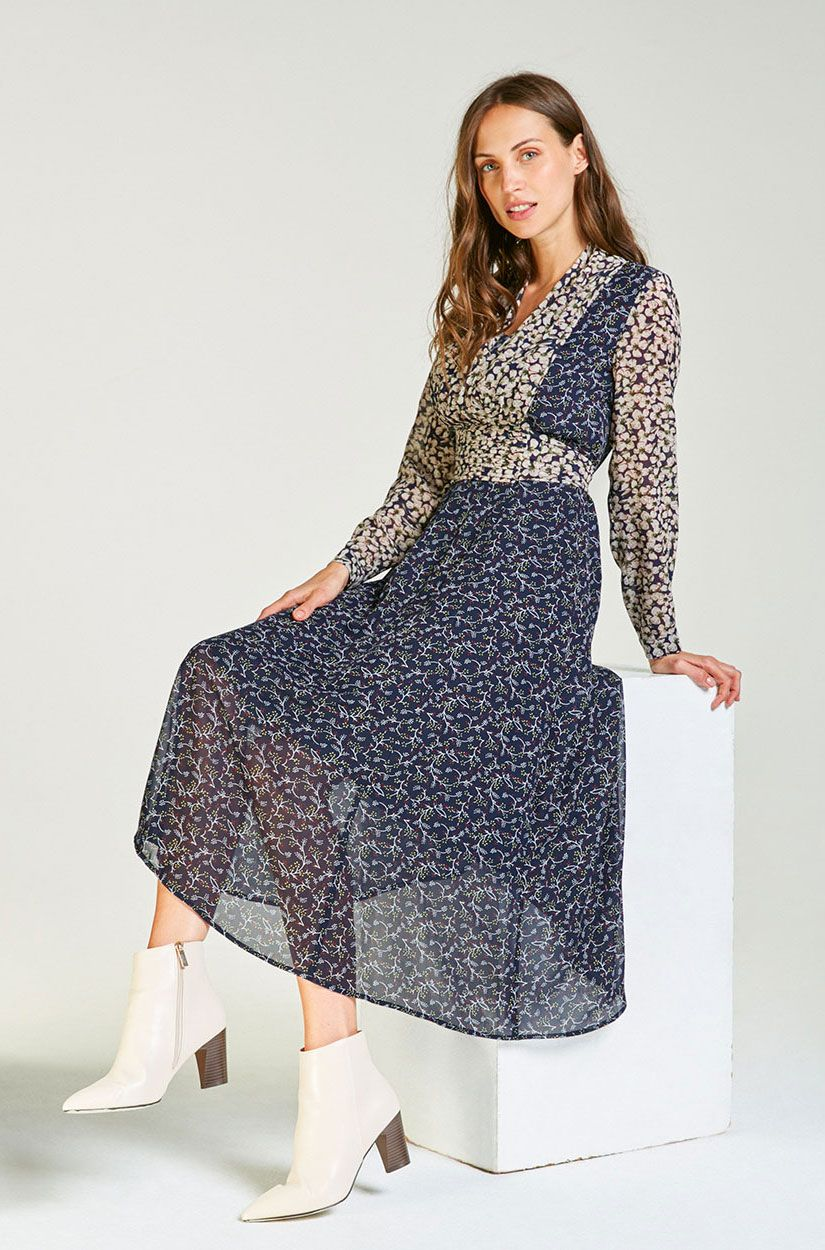 Langes Chiffon-Kleid mit Arm in Blau  Chiffon kleid, Chiffon, Kleider