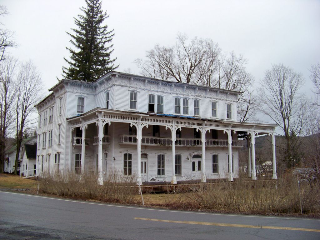 This Old House Abandoned Mansions Abandoned Houses Abandoned Hotels