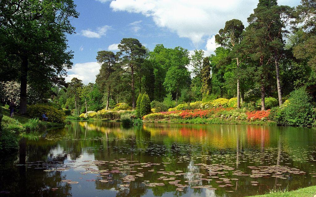 Leonardslee Gardens, West Sussex, UK Lake garden, West