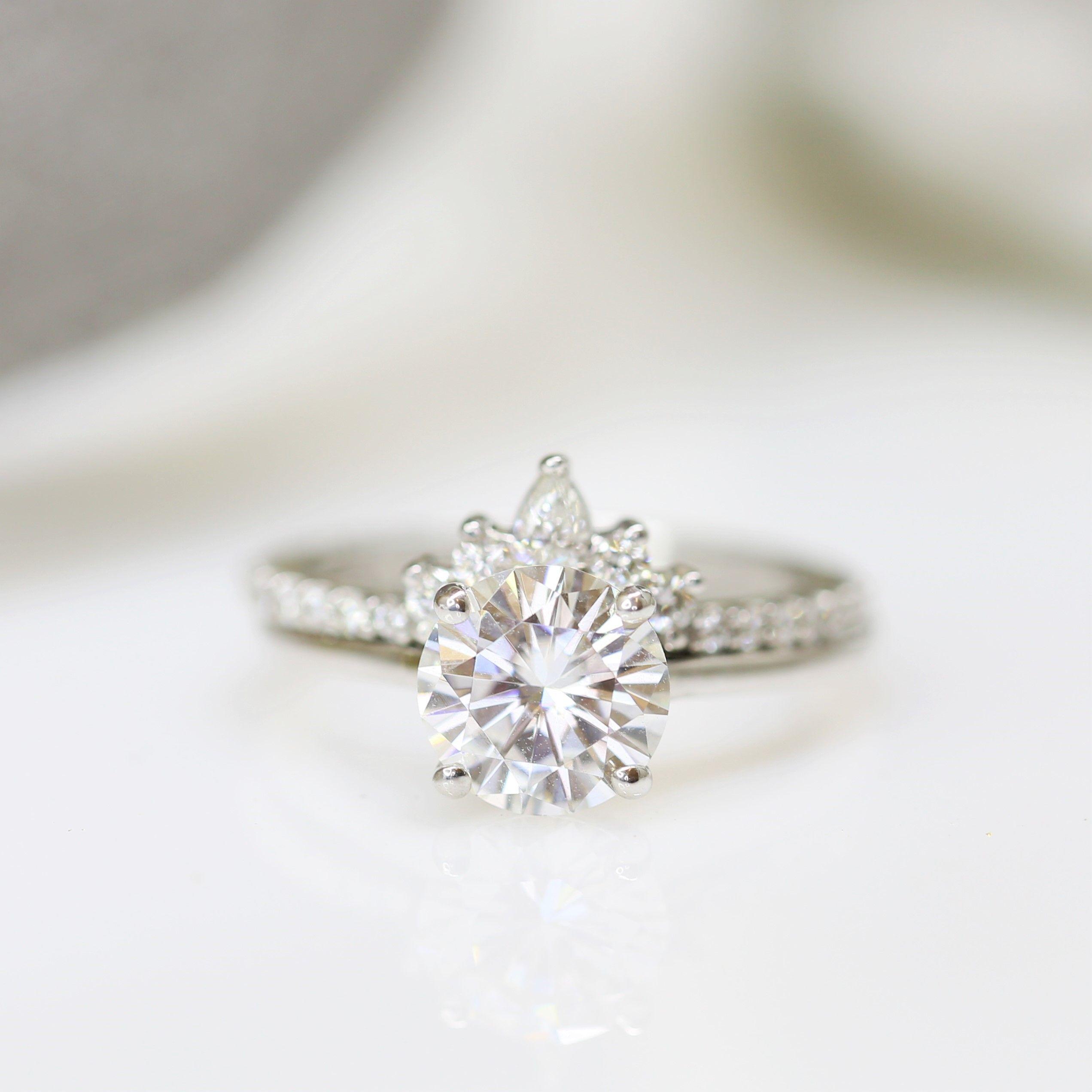 Wedding Gifts Chicago: Rosados Box Dixie 8mm & Riri 14kt White Gold Round F1