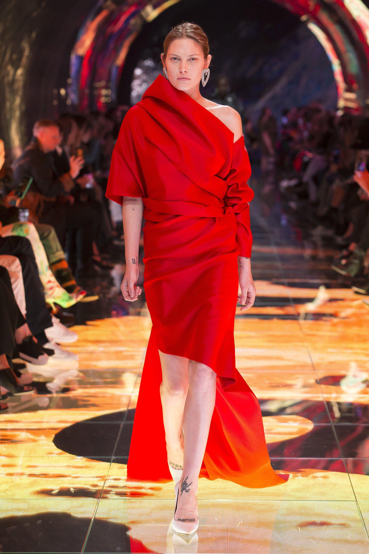 49c121a7e2f1 Balenciaga Spring 2019 Ready-to-Wear Fashion Show Collection: See the  complete Balenciaga Spring 2019 Ready-to-Wear collection. Look 75