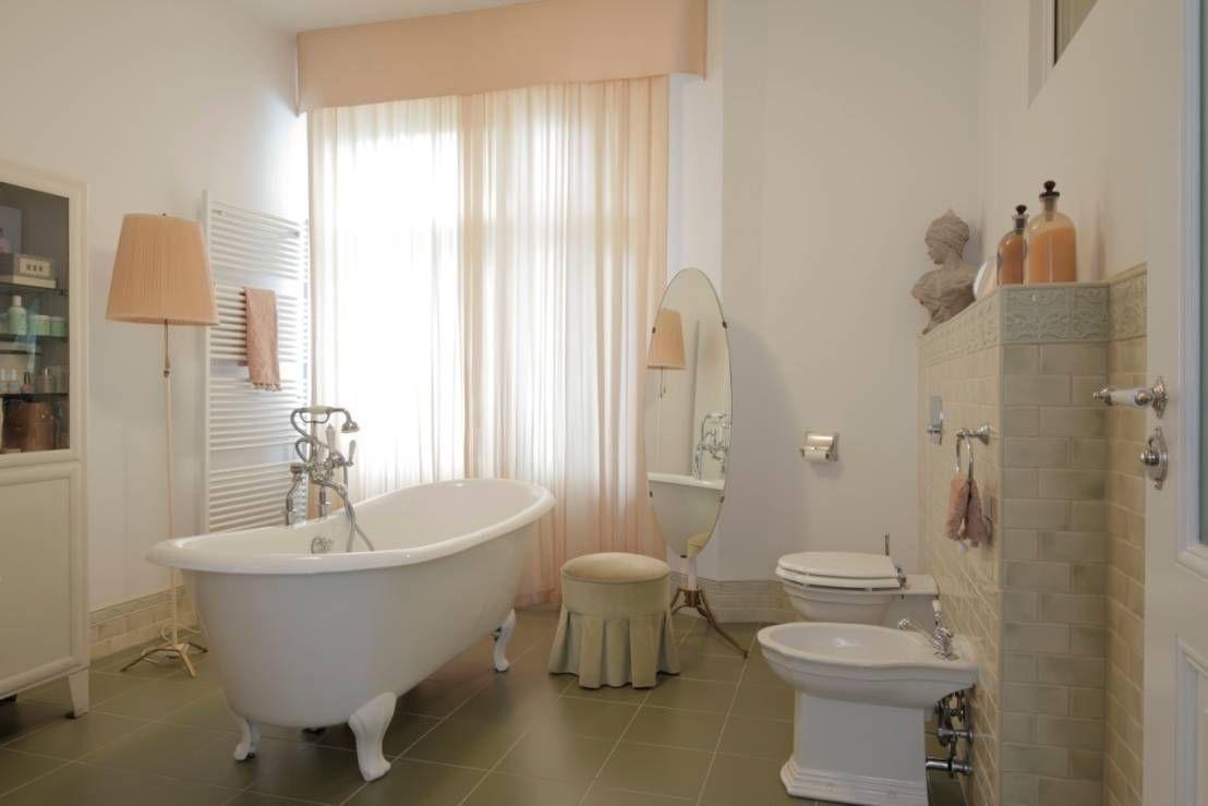 Badezimmer vintage ~ The vintage flat from a fairytale freestanding bath interior