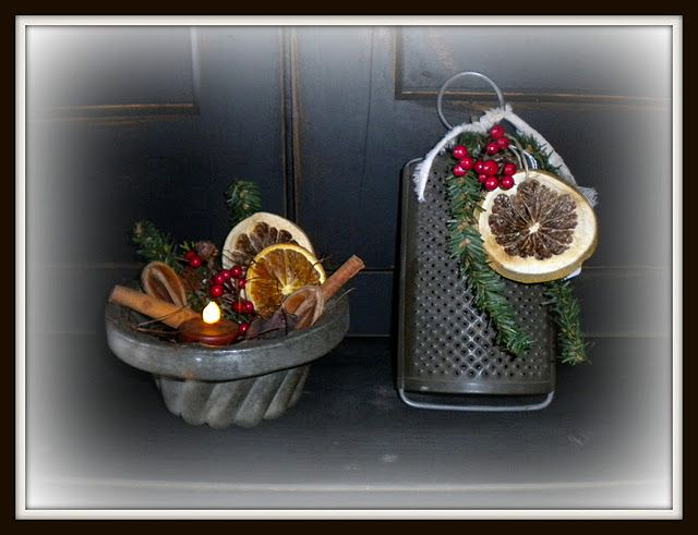 kitchen prims dressed up for Christmas