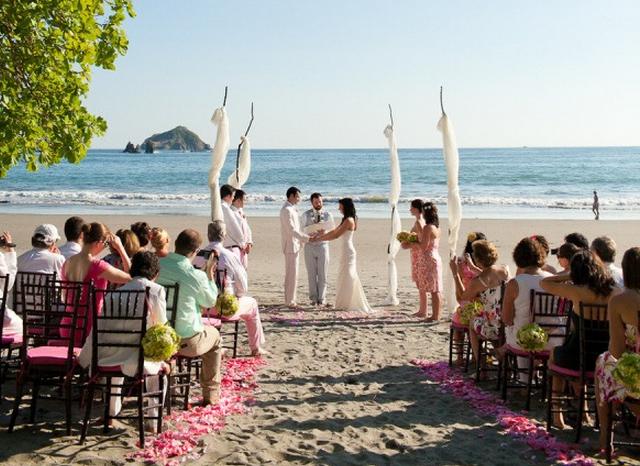 Amazing beach wedding!