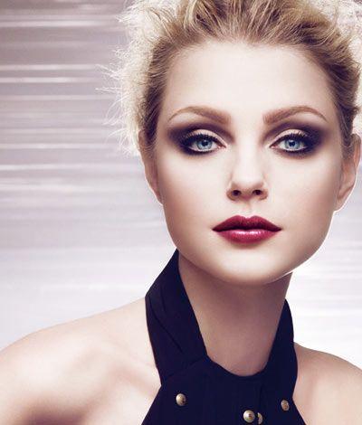 Resultados de la Búsqueda de imágenes de Google de http://geniusbeauty.com/wp-content/uploads/2009/07/Dior-Jazzclub-Makeup-Collection.jpg