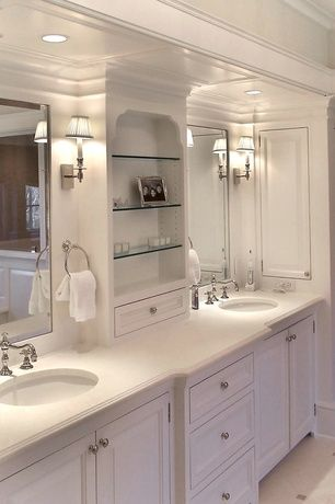 Traditional Master Bathroom With Flush Built In Bookshelf Flat