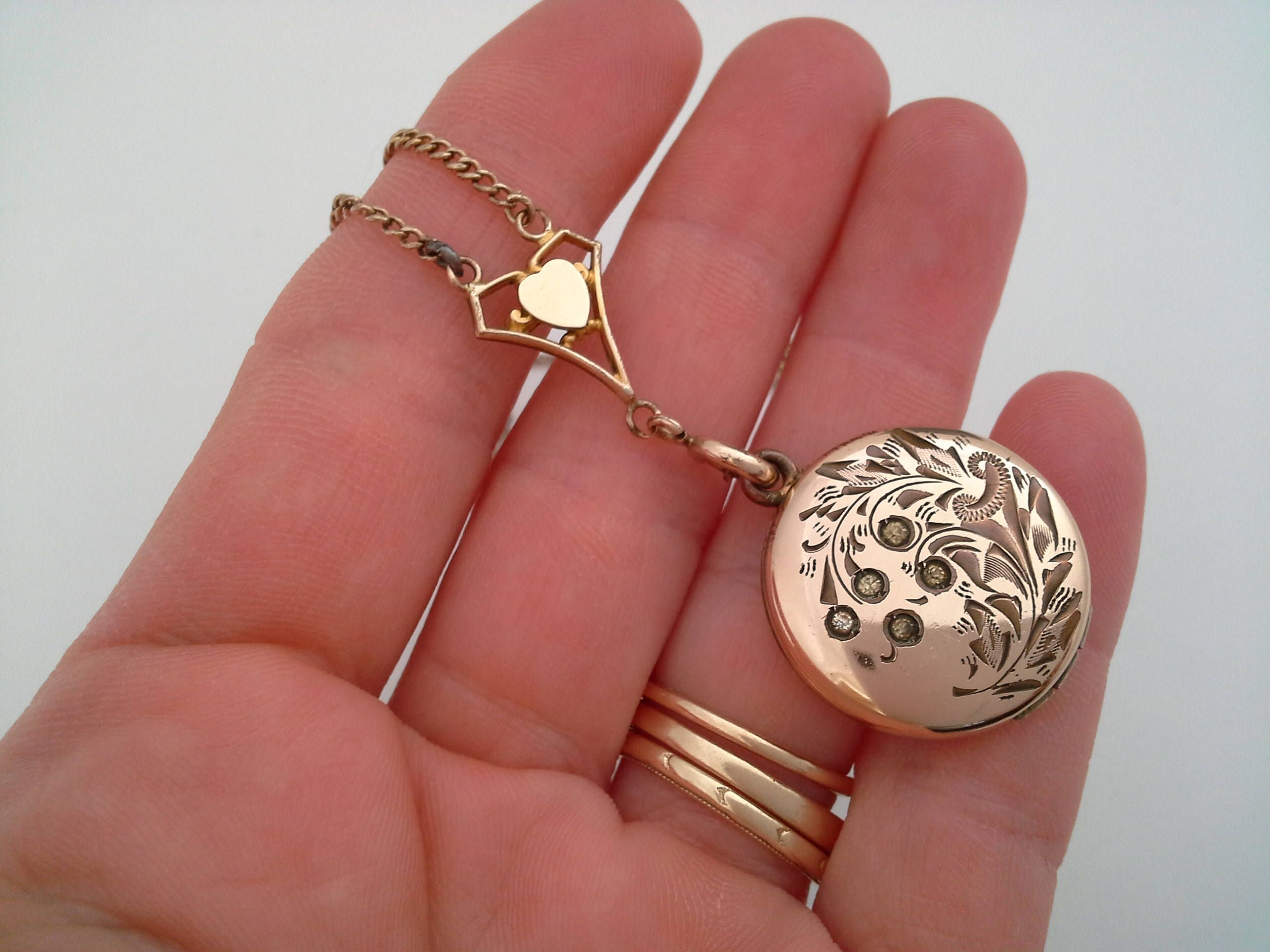 Antique Jewelry Small Antique Locket Necklace with 16 12k Gold Filled Chain Circle Gold Tone Rhinestone Locket