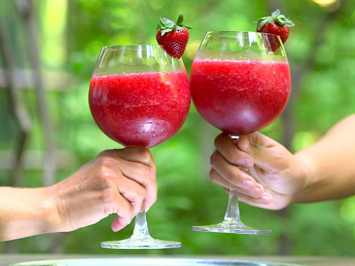 Frose Frozen Rose Recipe This Wine Slushie Couldn T Be More Appealing Or Instagram Friendly Wine Slushie Rose Recipes Frozen Rose