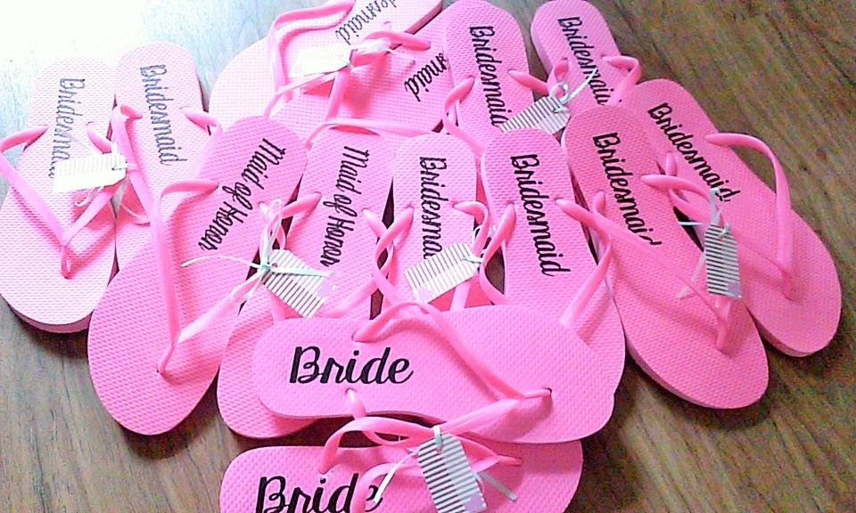 Hot Pink Bridal party flip flops, Bride\'s Slippers, Wedding dance ...