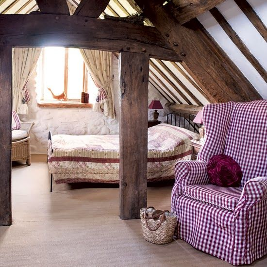www.eyefordesignlfd.blogspot.com: Decorating An Attic Room With Coziness And Character
