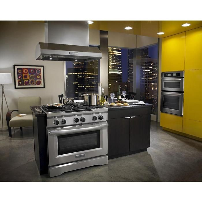 The Dual Fuel Design Of This Commercial Style Range Features A Gas Cooktop  With Electric