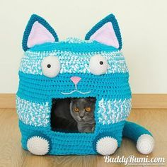 Free Crochet Cat Bed Patterns to make, cat caves, donuts, pouffes ... | 236x236