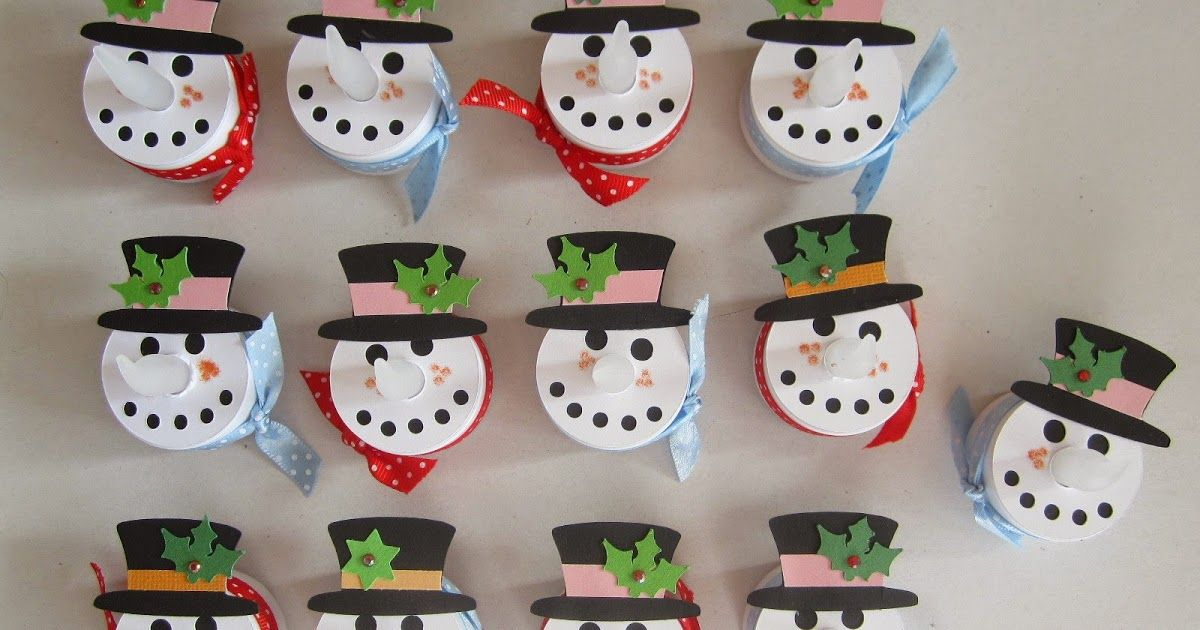 Eine Parade Schneemänner.  Die standen schon lange auf meiner Todo-Liste.                  Die Schneidedatei ist aus dem Sil-Store:  3d s...