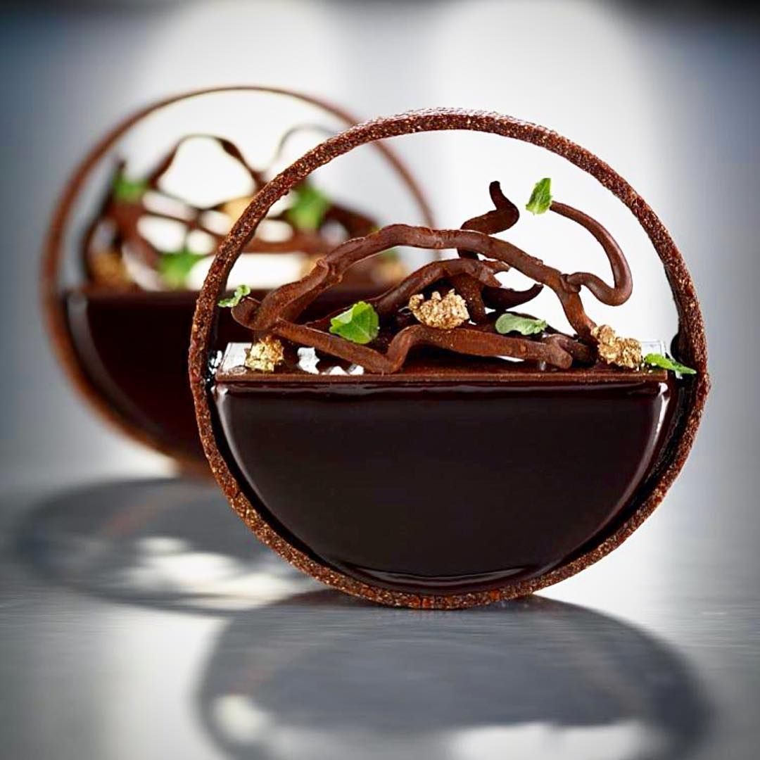 Dessert By Adrien Bozzolo Follow Cookniche For Culinary Inspirations Cookniche Gastronomia Ga Dessert Plating Dessert Presentation Gourmet Desserts