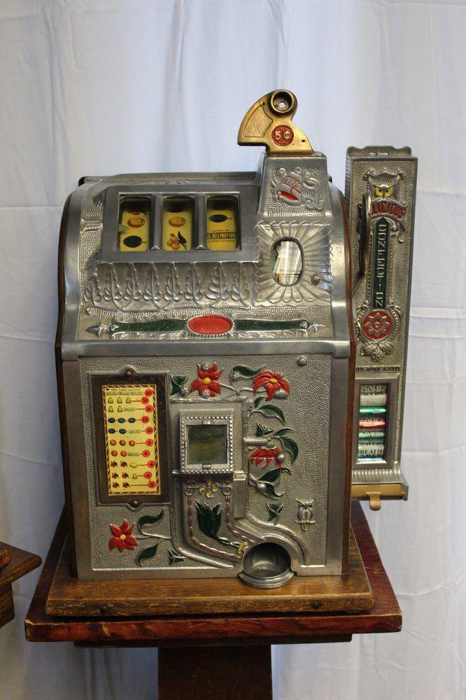 Mills poinsettia slot machine sirenis resorts casino aquagames 5