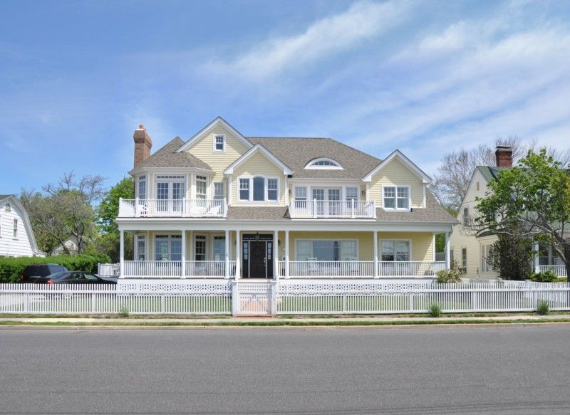 Picket Fence Homes And Picket Fence Designs Fence Design Simple