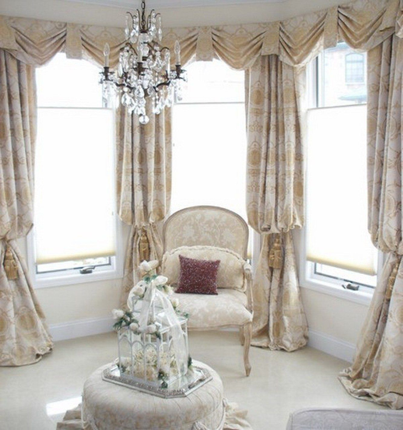 Awesome Curtain Ideas For Bay Window Living Room Eclectic: Nice Bay Window Decorating Tips