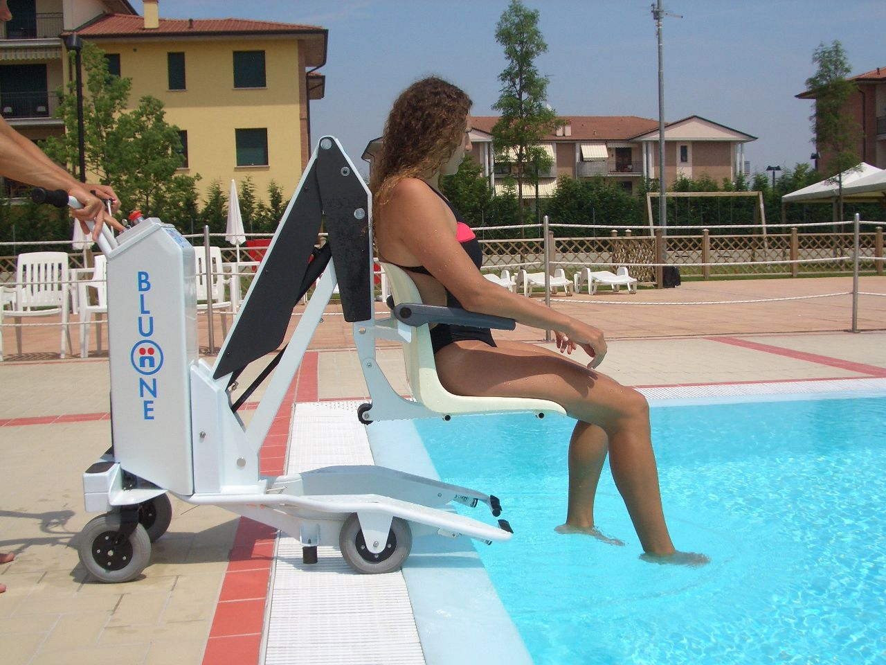 Mobility products for the disabled bluone pool lift - Swimming pool wheelchair lift law ...
