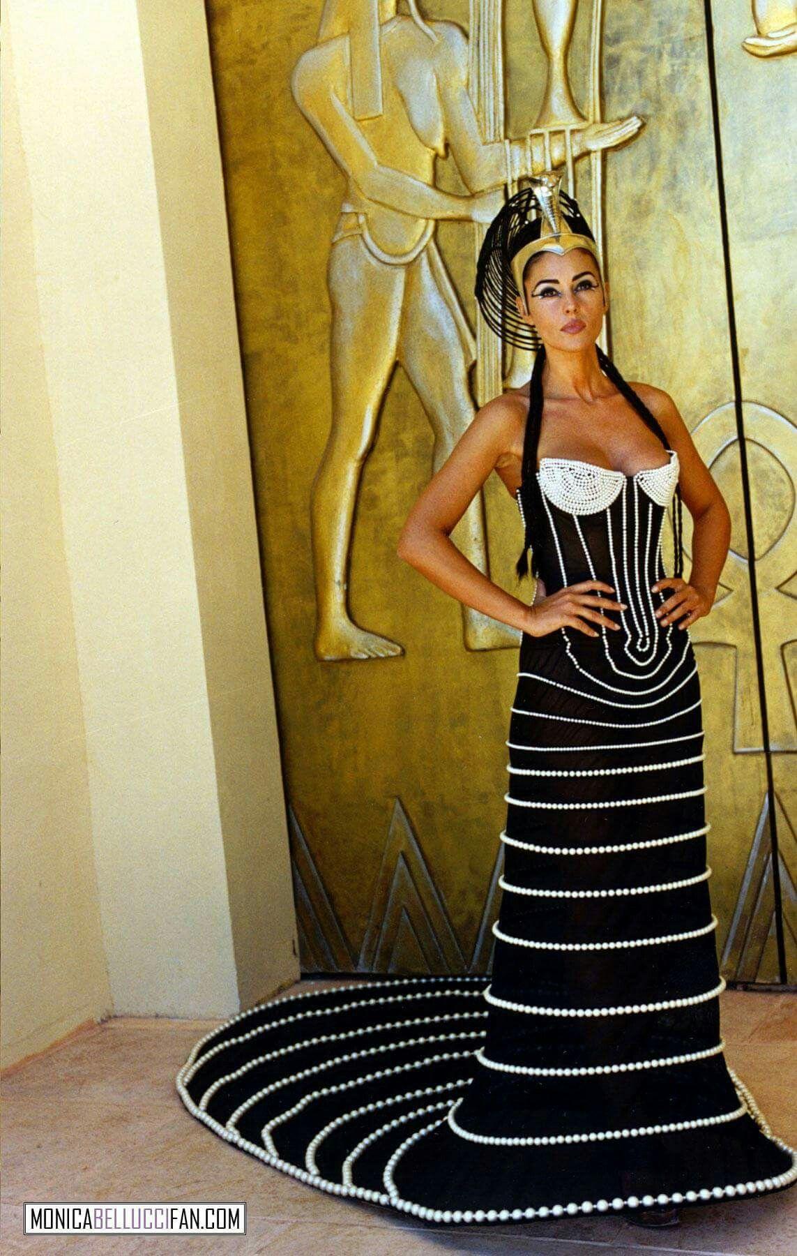 Monica Bellucci Kleopatra Monika Belluchchi Platya