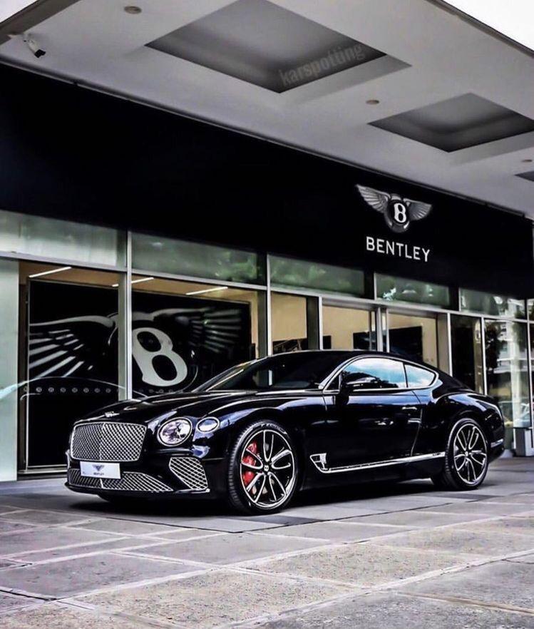 Bentley Motors / Bentyaga #luxurycars
