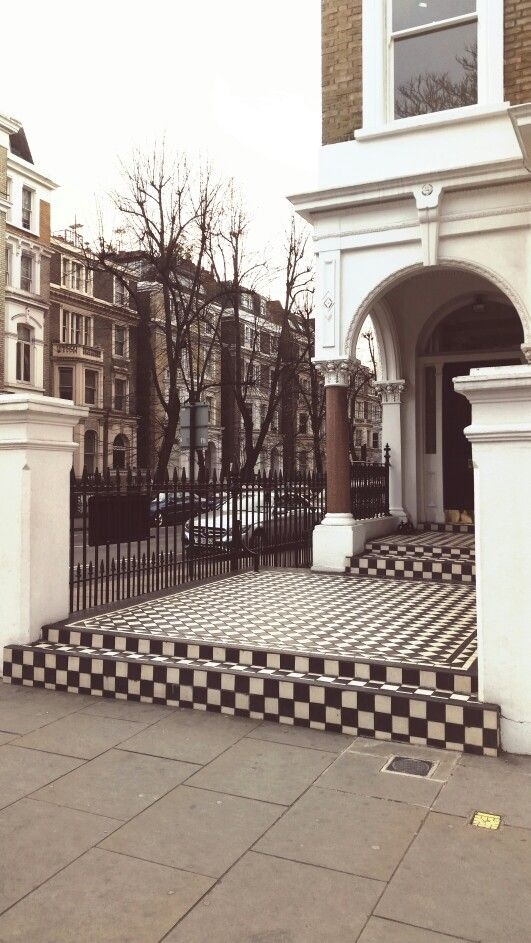 Black and White tiled steps. Redcliffe Gardens, Kensington.
