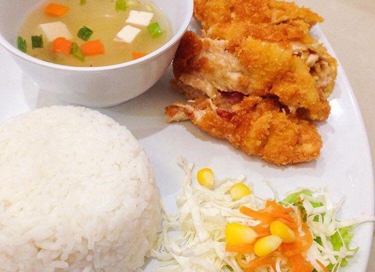 Paket komplit Chicken Gordon Blue ala waroenkkito  Pesan dan hubungi free delivery 0878 8667 3072 WA tersedia Jam Buka  10002200 Senin  Minggu Menerima pesanan untuk berb...