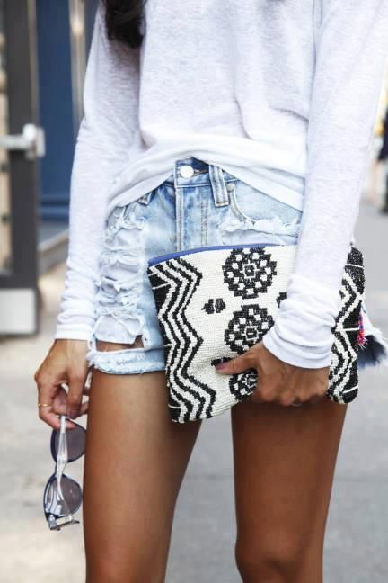 Casual but cool. Love the destroyed denim and patterned clutch. xo Beautylove Aprons