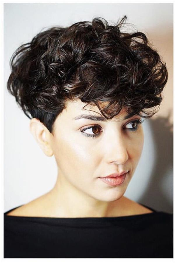 2020 Fresh Short Curly Hair Design For Girls With Less Hair Fashion Girl S Blog In 2020 Curly Hair Designs Curly Hair Styles Short Curly Hair