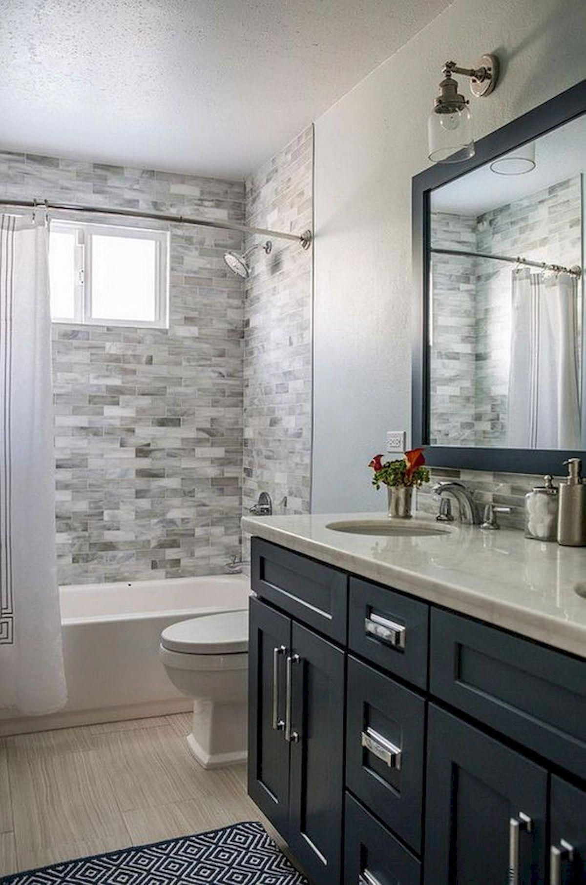 60 Elegant Small Master Bathroom Remodel Ideas 42