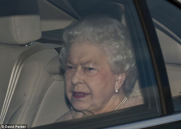 The Queen arrives for her pre-Christmas lunch, 18th December 2013