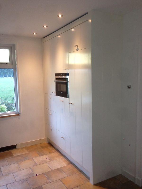 VRI interieur landelijke keuken modern wit met houten laden en front ...