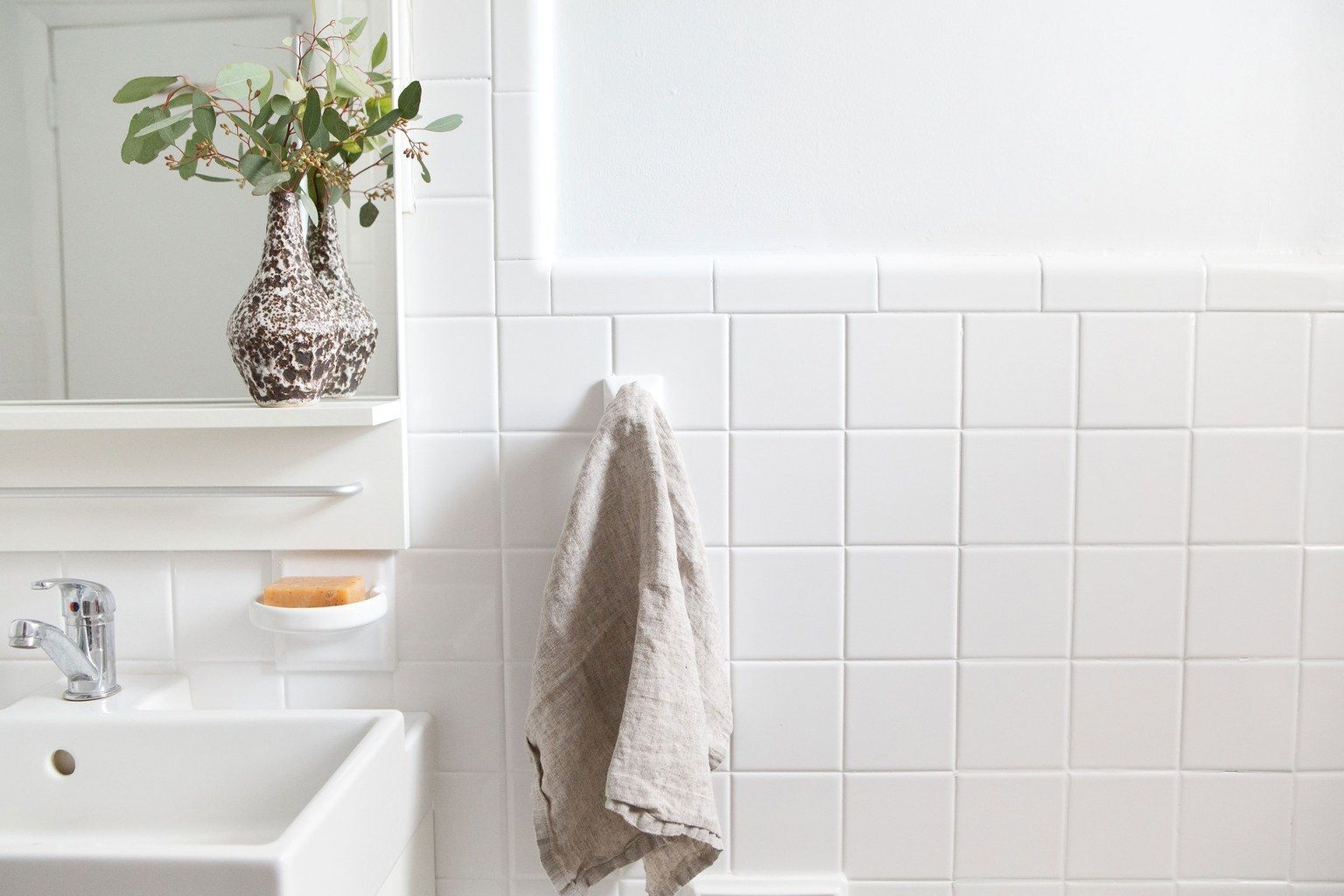 Reglazing Tile Is The Most Transformative Fix For A Dated Bathroom Reglazed Bathroom Tile Tile Reglazing Tile Bathroom
