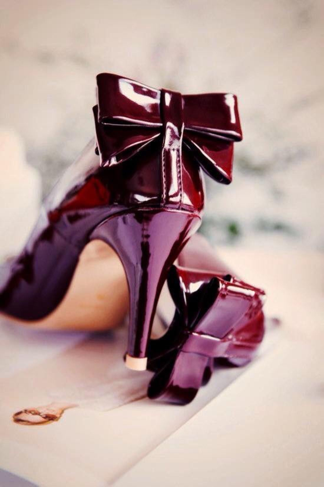 Pin by romana kucerova on Burgund¥ M d | Burgundy shoes, Burgundy fashion, Burgundy