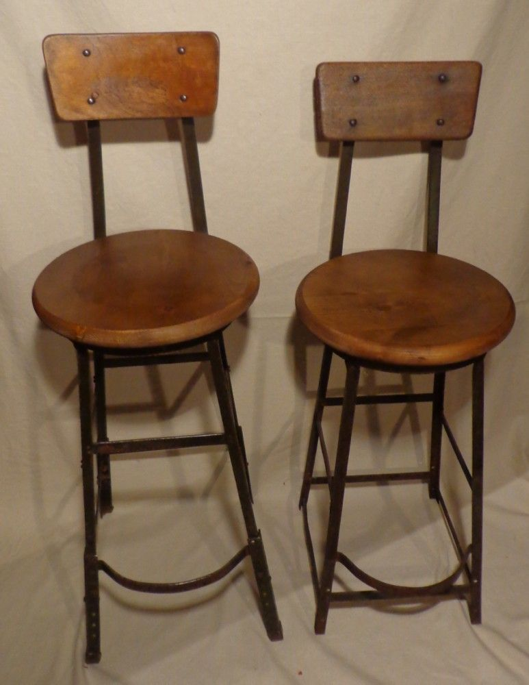 1930 S Factory Stool Toledo Drafting Chair 375 Each Avec Images Ilots Central Cuisine