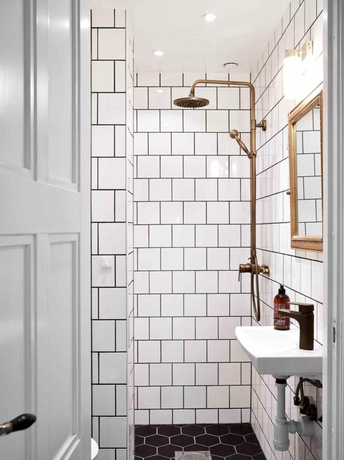 Salle de bain italienne petite surface \u2013 les deux pieds sur terre