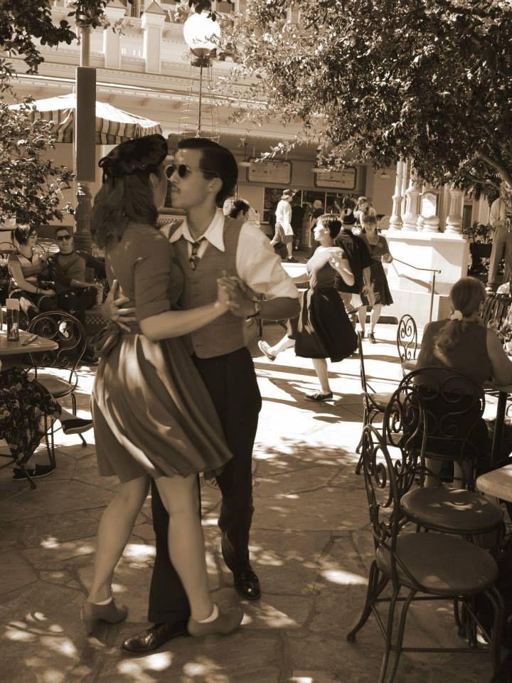 Fd Aa A D B F B F Af on 1940s Jitterbug Dance