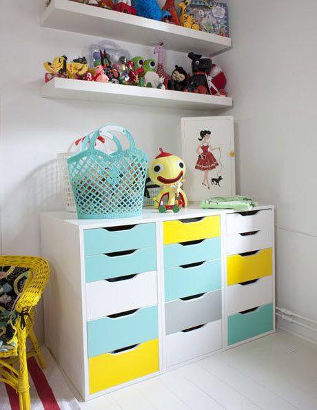 Meuble enfant ikea peint en bleu et jaune chambre jaune kallax kids storage et craft room - Ikea meuble chambre enfant ...