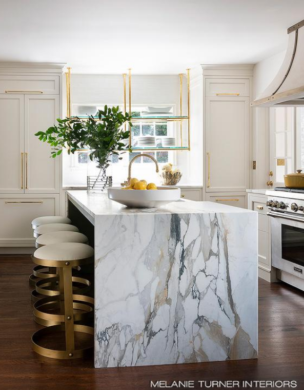 The lowdown on marble countertops in kitchens and bathrooms - The Enchanted Home #marblecountertops