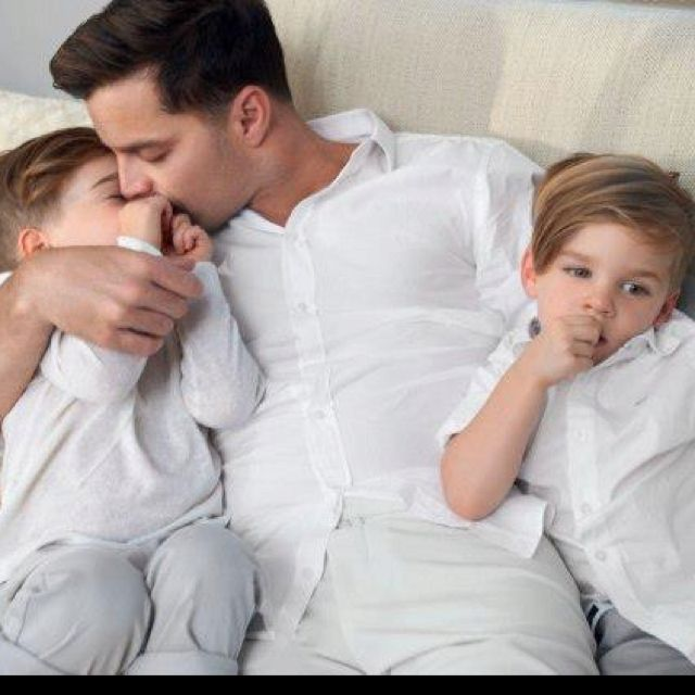 Ricky Martin His Twins With Images Ricky Martin Kids Ricky