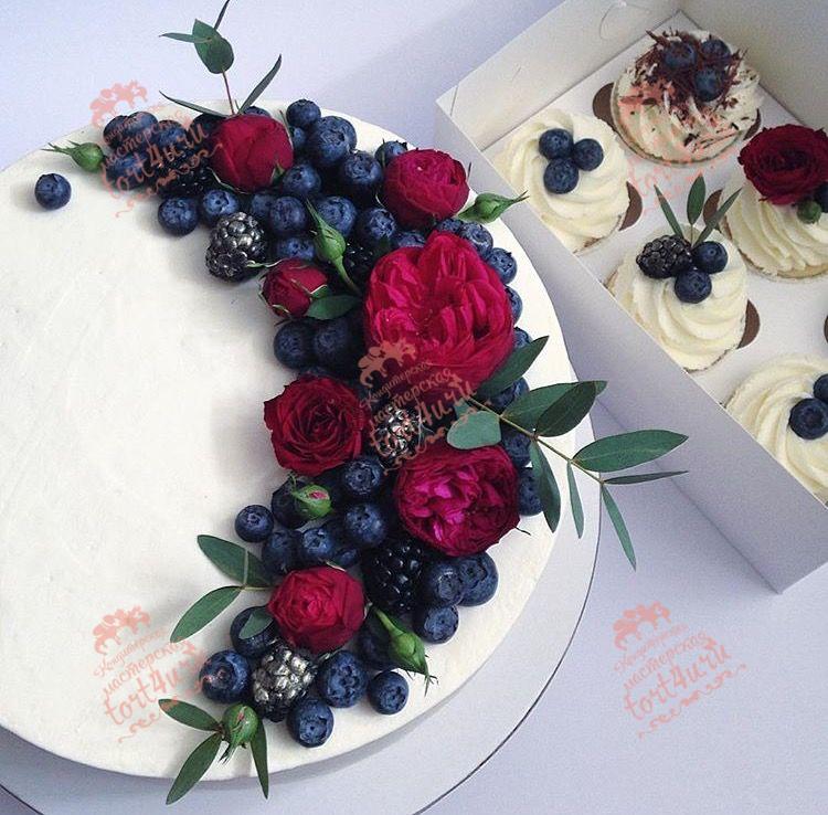 Торты с цветами и фруктами