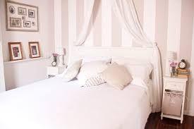 Pareti A Strisce Shabby : Pareti camera da letto a righe: camera da letto pareti a righe